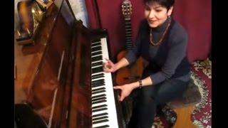 видео Как научиться играть на пианино, обучение игре на фортепиано для начинающих взрослых с нуля в Москве