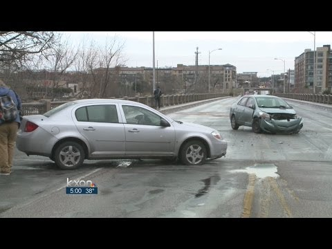 Icy weather causes chaos on Austin roads