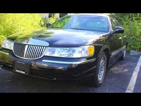 1998 Lincoln Town Car Signature In Overland Park, KS 66212