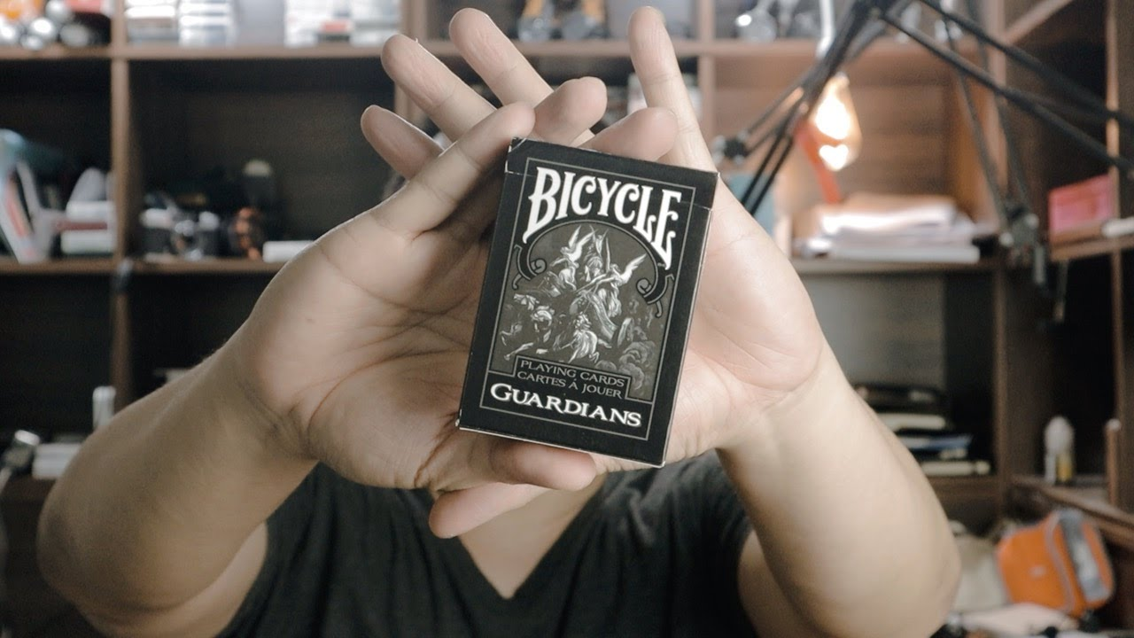 Collector#61 รีวิวไพ่ Bicycle Guardians (Theory 11)