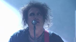 """The Cure perform """"Shake Dog Shake"""" at the 2019 Rock & Roll Hall of Fame Induction Ceremony"""