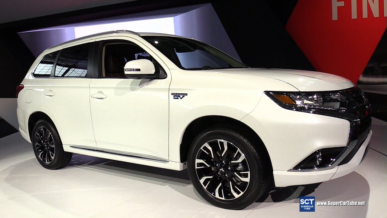 2017 Mitsubishi Outlander PHEV S-AWC -Exterior,Interior Walkaround -Debut at 2016 New York Auto ...