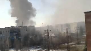 Ад в Дебальцево. Опубликовано видео непрерывного обстрела города(В интернете появилось видео ожесточенных обстрелов Дебальцево в феврале. Судя по всему, кадры были сняты..., 2015-04-08T10:16:16.000Z)