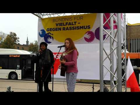 Naz and ella live in gissen germany