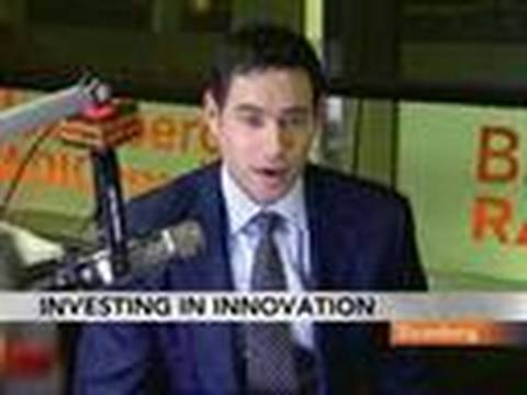 Baron Capital's Lippert Discusses Apple's Stock Outlook: Video