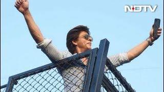 Shah Rukh Khan's Birthday & The Madness Outside Mannat