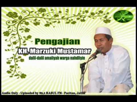 KH. Marzuki Mustamar - di Pasuruan