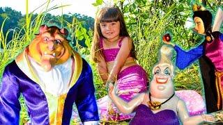 ЗЛОБНАЯ ШАЙКА против РУСАЛКИ ЮЛИ! Чудовище Королева Урсула мультики игрушки обзор мультфильм сказка