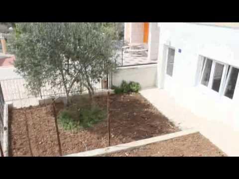 Stan sa vrtom - Nekretnine Makarska - YouTube