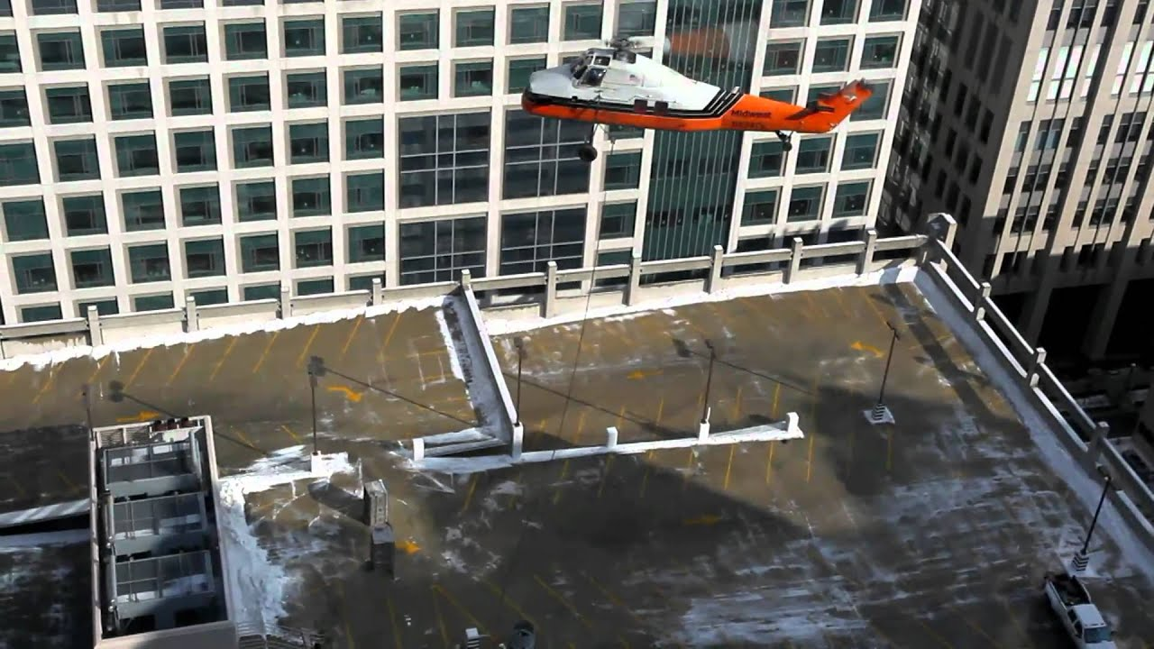 Midwest Helicopters Lift at Northwestern Hospital