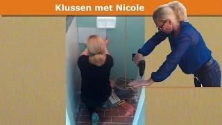 Mijn vrouw bouwt zwevend toilet  - Nicole builds floating toilet
