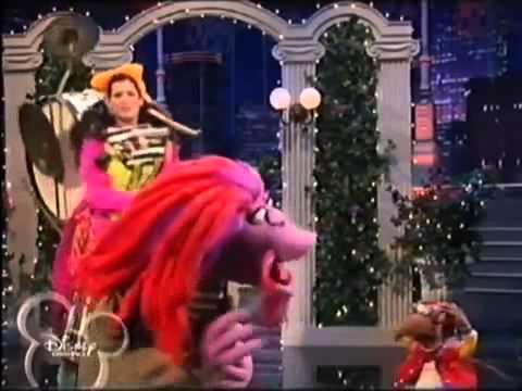 Sandra Bullock singing - YouTube