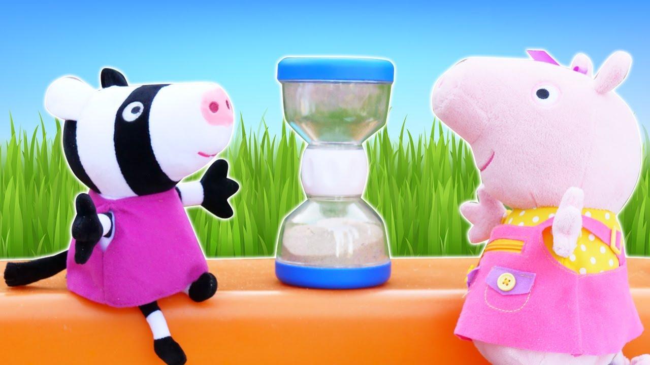 Peppa e Zoe vão aprender a contar o tempo! Brincadeira infantil educativa no meu tanque de areia