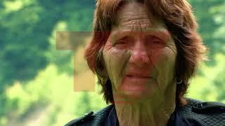 E rrallë: 80 vjeçarja nga Deçani që ngjitet në drunj dhe punon tokën