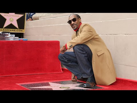 Kristina Kage - Snoop Dogg Thanks Himself on Hollywood Walk of Fame