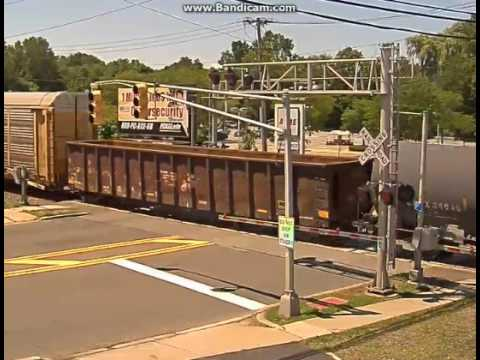 CSX Long Freight Train Passes Bergenfield, NJ - YouTube