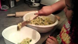 Ave''s Holiday Treats!! 1st Recipe: Squash And Zucchini Casserole!