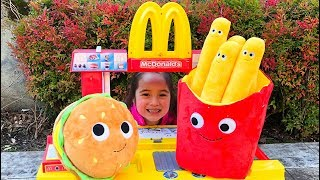 Magic McDonald's pretend play with magical toy food