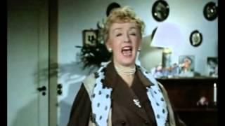 Far til fire i byen (1956) - Højt fra træets grønne top (Familien)