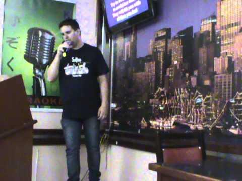 Torch, do Soft Cell, com Fabinho no Karaoke Kazoku