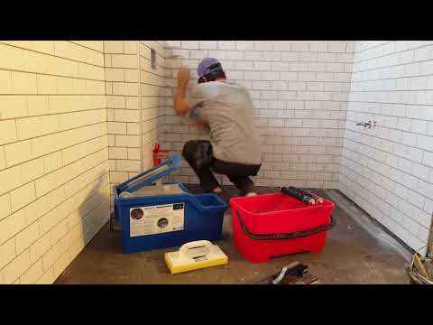Grout cleaning SquEasy system vs standard washboy 720p