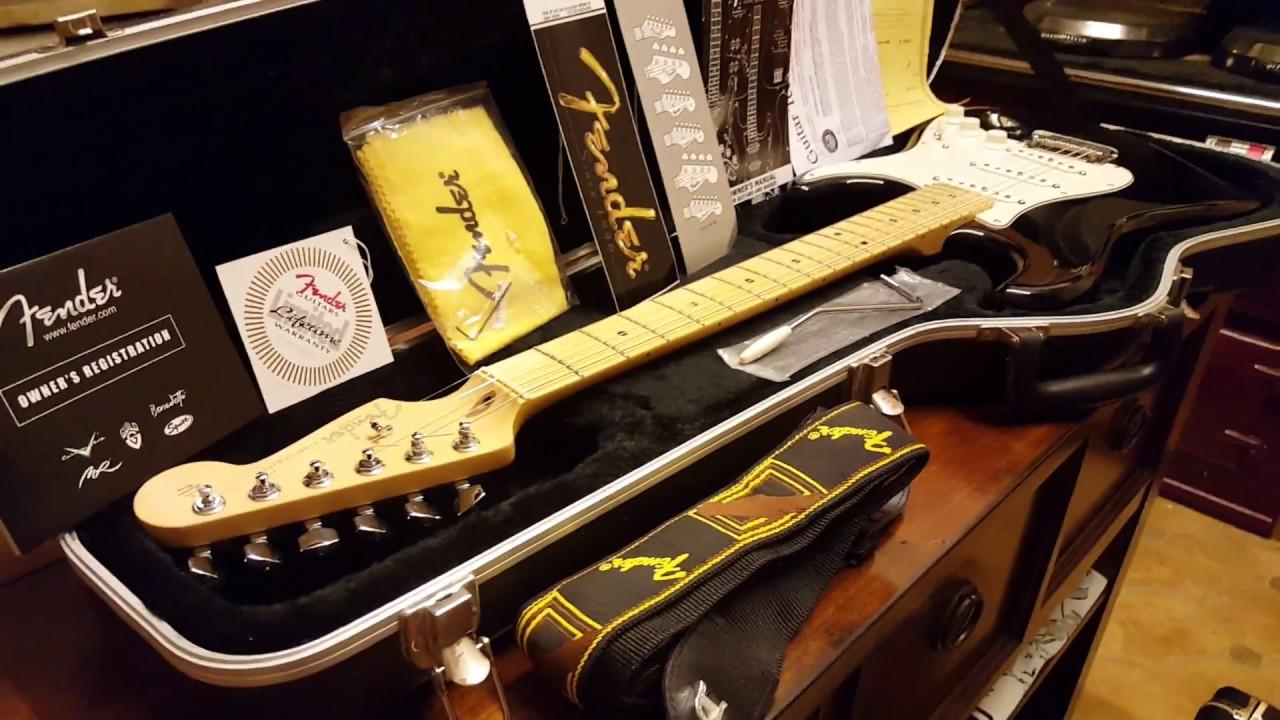 2005 fender american standard stratocaster usa black strat guitar up close video review youtube. Black Bedroom Furniture Sets. Home Design Ideas