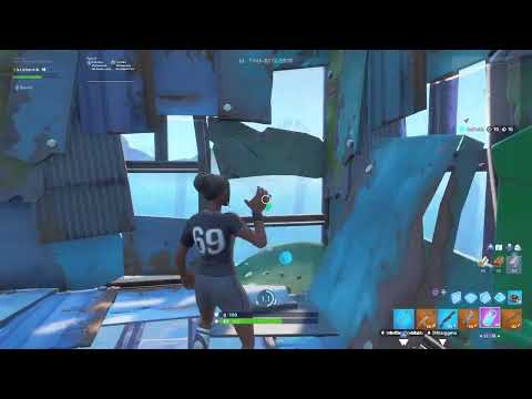GIFTING SUBSCRIBERS FREE SKINS LIVE IN Fortnite! FREE VBUCKS! FOLLOW THE STEPS IN DESC!