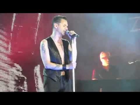 Depeche Mode - One Night In Berlin 2009 - Never let me down again the Best