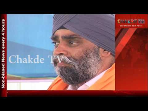 Canadian Defence Minister Harjit Sajjan offers prayers at Golden Temple