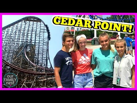 FIRST TIME RIDING ALL THE ROLLER COASTERS! SO SCARY!!