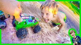 Axel's Monster Truck Crazy Ramp - Toy Trucks