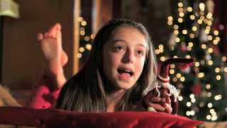 When Christmas Comes To Town - Hollie Steel (official Music Video)