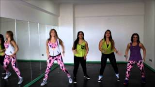 Repeat youtube video la la la la - Shakira - Zumba® Fitness - Romy Sibel CHILE