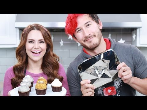 Thumbnail: YOUTUBE PLAY BUTTON CUPCAKES ft Markiplier! - NERDY NUMMIES