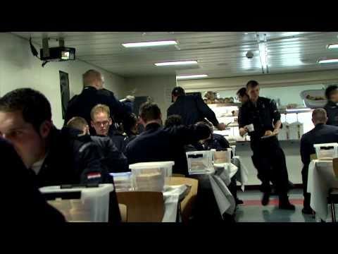 Midden in de marine: deel 1 van 7
