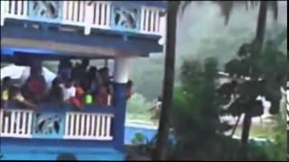 Tragedia en BUENAVENTURA ,desastre natural por la creciente del rio en el Balnearion Los Tubos