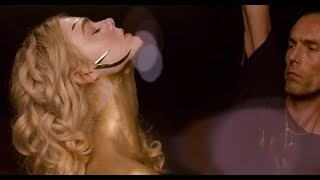 Неоновый демон/ The Neon Demon (2016) Gold Scene