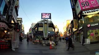 (ウィジョンブチュンアンえき)UiJeongBu JungAng Station 1Exit to UiJeongBu JeIlSiJang on North & West of its corner thumbnail