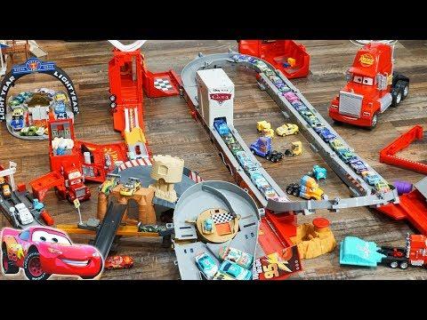Disney Cars Huge Track Build Story Sets Mack Hauler Race Track Radiator Springs Playsets