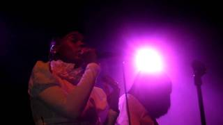 Janelle Monae in Paradiso - Smile Live
