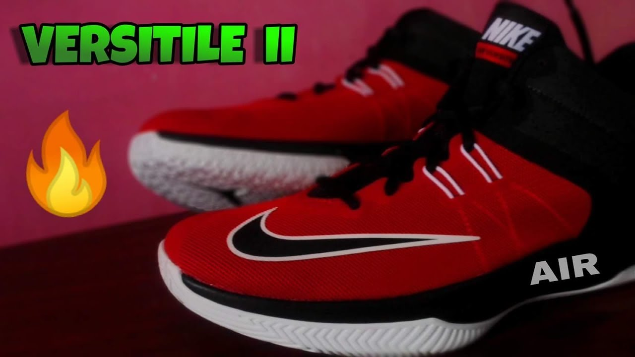NIKE Air Versitile 4 Intermediate Basketball Player Shoes