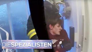 Lebensgefährlicher Brand in Wohnung: Sohn (16) ist noch drin | Die Spezialisten | SAT.1 TV