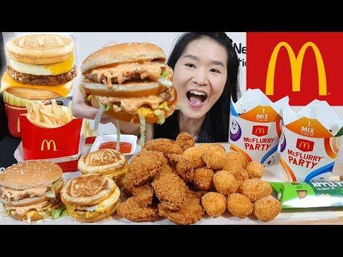 McDONALD'S MCGRIDDLES!! Big Mac, Fried Chicken Pizza Balls, McWings & McFlurry | Eating Show Mukbang