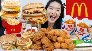 McDONALD'S MCGRIDDLES!! Big Mac, Fried Chicken Pizza Balls, McWings & McFlurry | Eating Show Mukbang