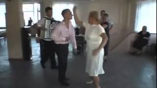 на свадьбе жених и теща at the wedding of the bride and mother-in-law Funny прикол