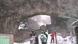 Курортный город Джермук зимой (Армения)(Видео из походного тура по Армении, организованного компанией FindArmenia. Полный фильм по следующим ссылкам:..., 2015-08-29T10:29:27.000Z)