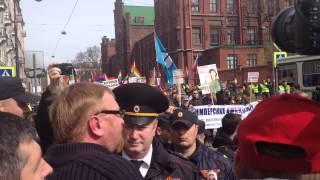Милонов рвется в колонну ЛГБТ