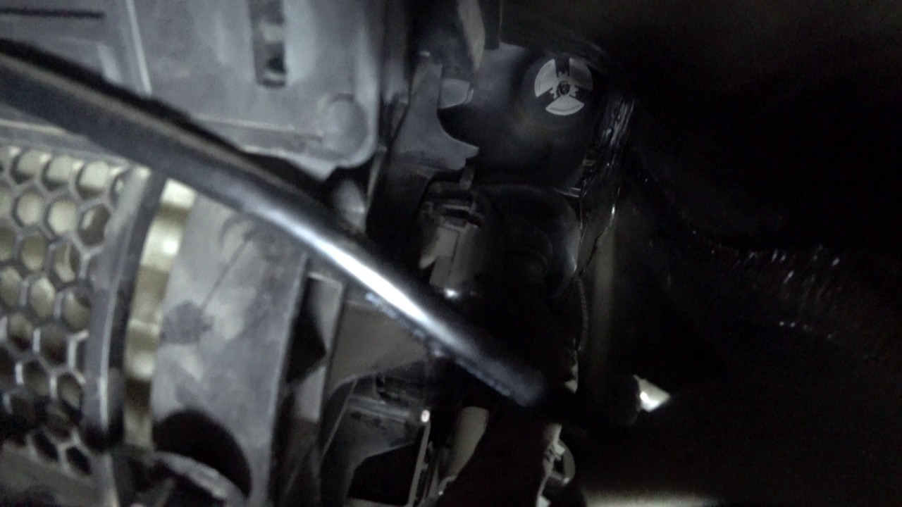 2012 Jeep Wrangler recirculation door actuator clicking noise