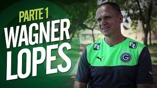 O técnico Wagner Lopes fez história como atleta no Japão. Lá, natur...