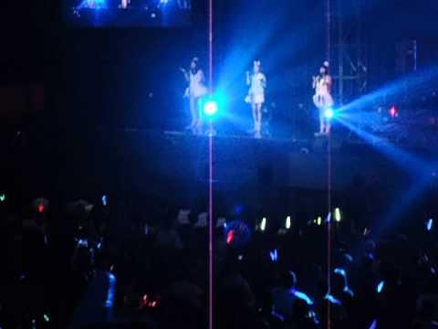 JKT48 - Heart Gata Virus at Tenis Indoor #show1